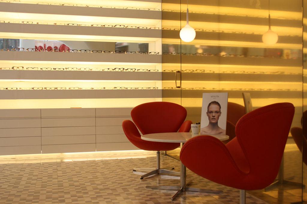 Reforma proyecto retail con estilo neoyorkino para óptica Sojo